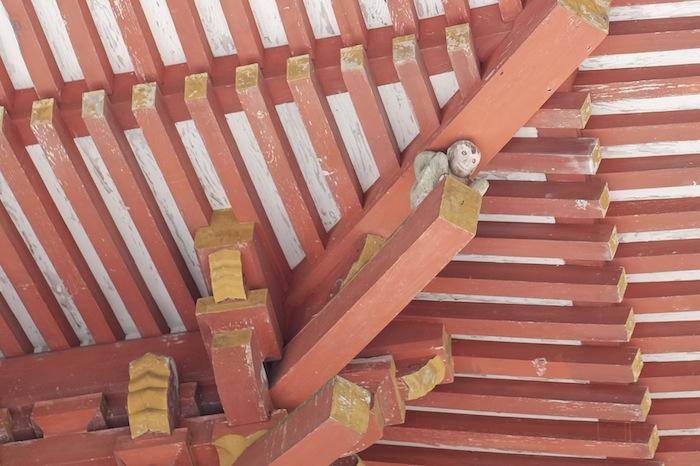 神猿ふんばる桜門:日吉大社